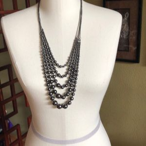 Jewelry - Beautiful black med size strand necklace. In EUC.